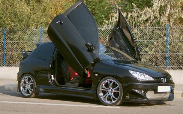 رفع کوپ 206 با ایسیو زیمنس در تعمیرگاه ریمپ خودرو